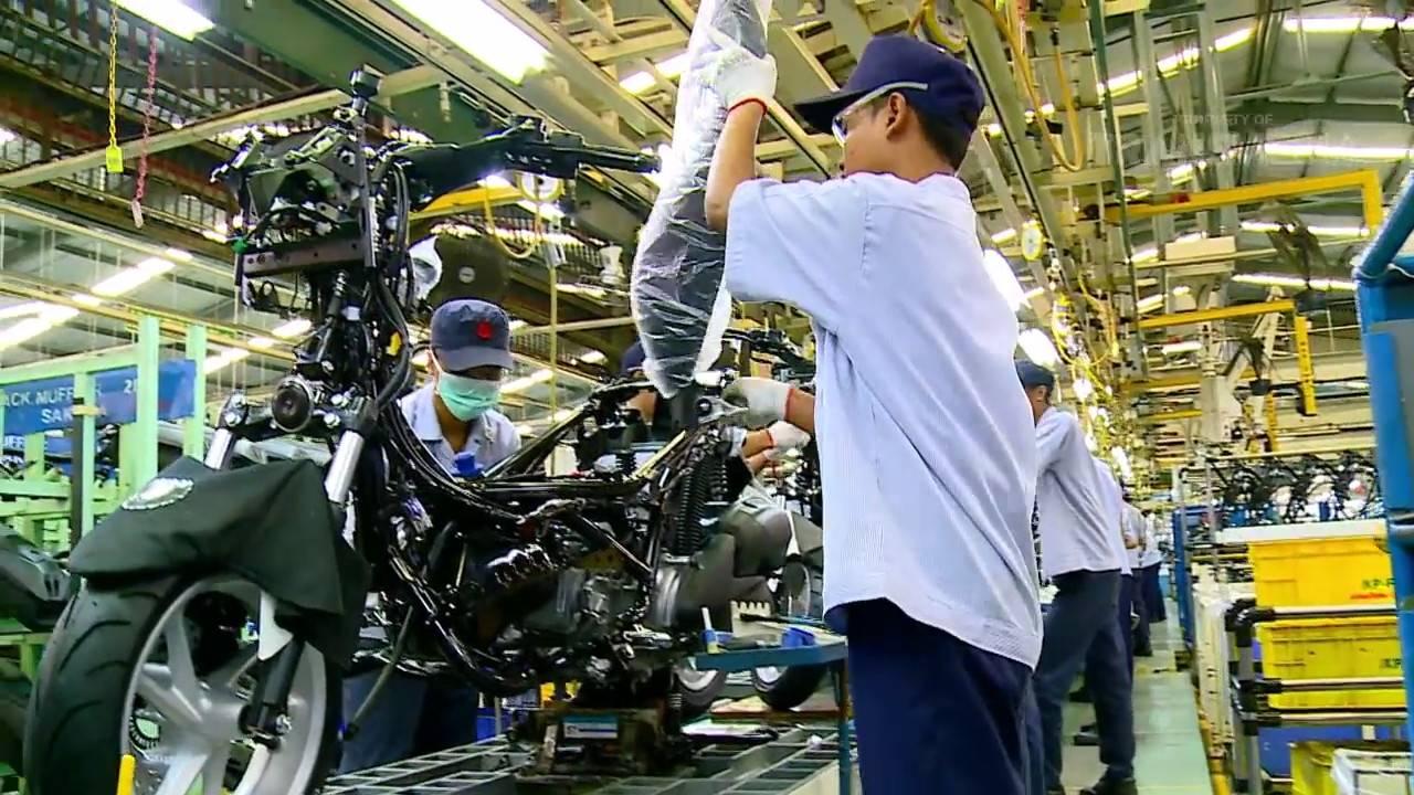 kita intip  bikin motor matic yamaha nmax  pabriknya