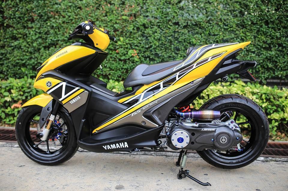 Modifikasi Yamaha Aerox Kuning Samping Kiri