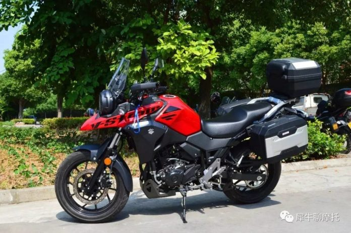 Suzuki-V-Strom-DL250-Tiongkok-warna-merah - WARUNGASEP